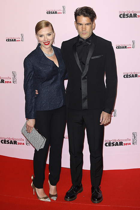 Scarlett Johansson set to marry in four weeks
