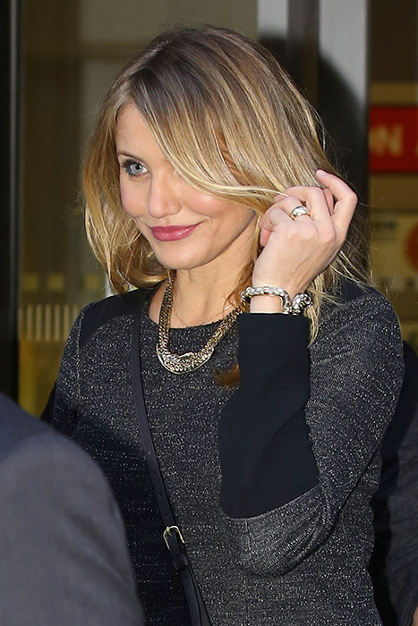 cameron-diaz-ring-