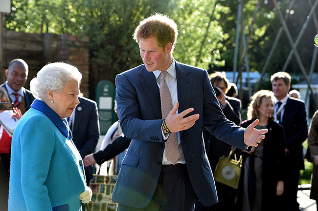 prince-harry-the-queen-chelsea-flower-show