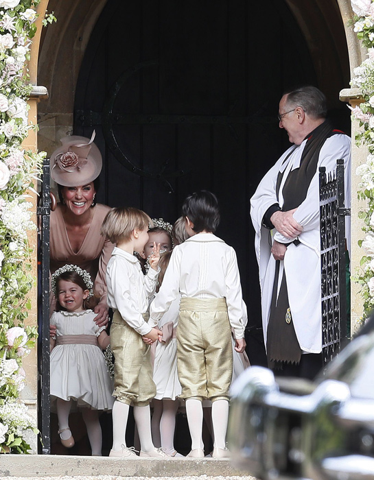 kate-middleton-princess-charlotte-prince-george-pippa-wedding