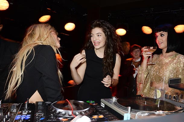 Lorde DJs with Ellie Goulding and Katy Perry