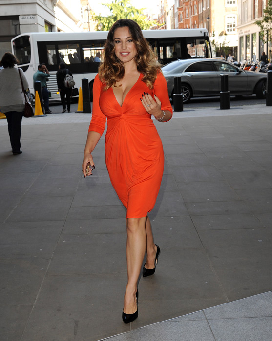 kelly-brook-