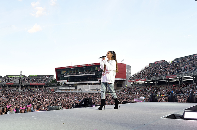 ariana-grande-manchester-concert1
