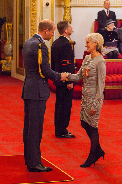 judy-murray-receives-obe-from-prince-william2