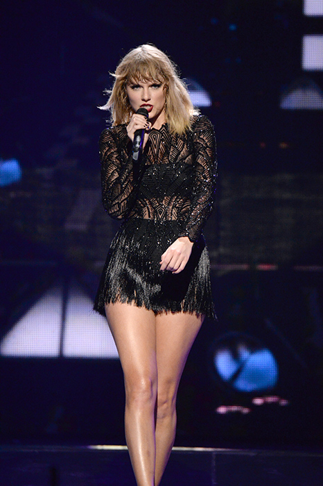 taylor-swift-in-houston-concert
