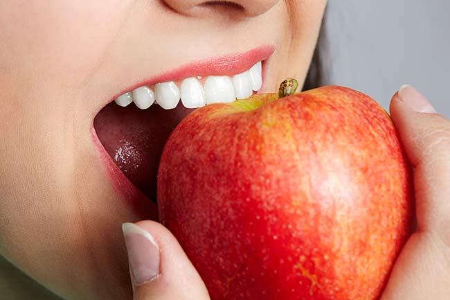 white-teeth-apple