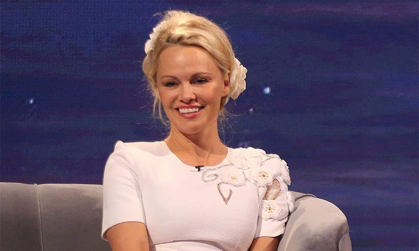 Pamela-Anderson-the-nightly-show