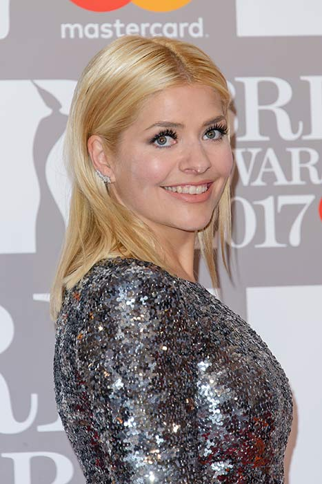 Holly-Willoughby-BRITs-hair