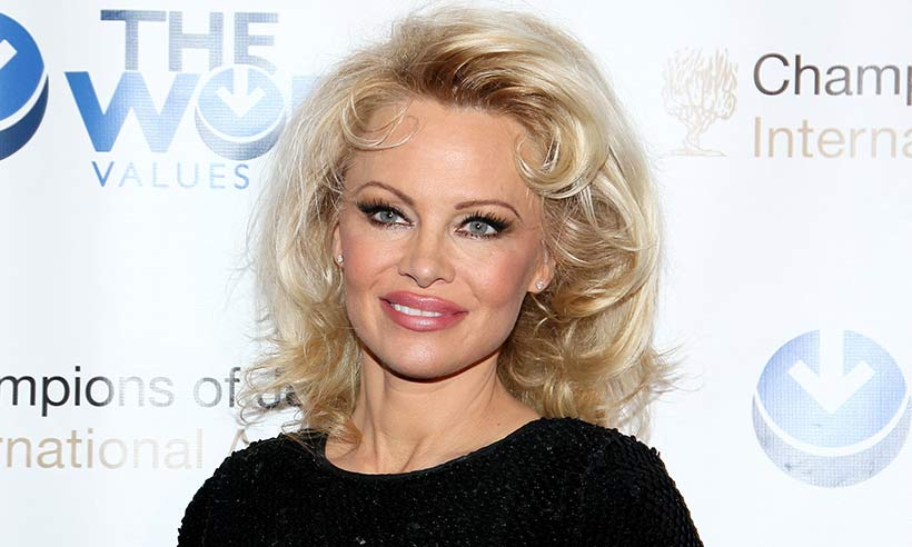 Pamela-Anderson-make-up
