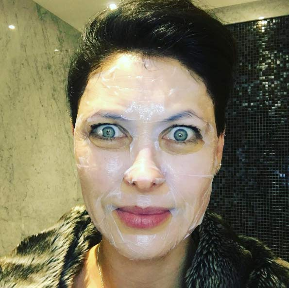 Emma-Willis-face-mask