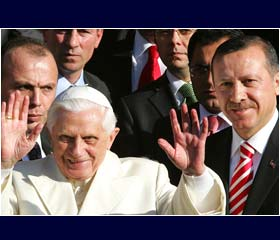 Pope arrives in Turkey