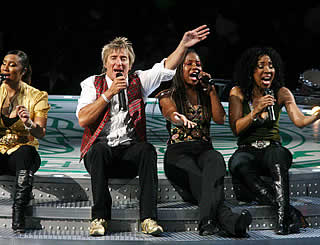 Rod Stewart rocks Big Apple