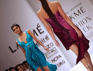 Asymmetrical look key on Indian catwalk