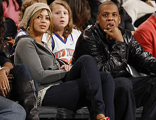 Beyonce court-side at basketball