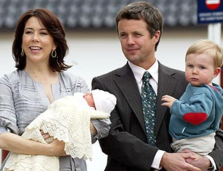 Princess Mary shows off her newborn daughter