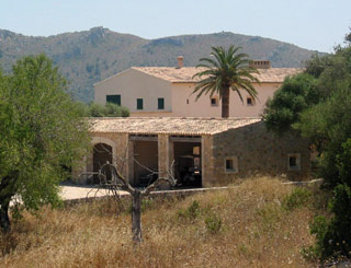 Boris puts Spanish holiday home on the market