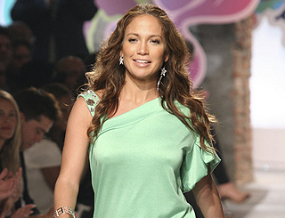 J Lo to become a mum say US reports