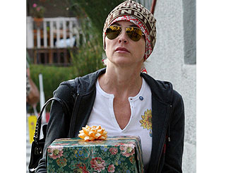 Sharon Stone goes under cover on retail jaunt
