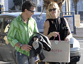 Antonio and Melanie holiday in Spain