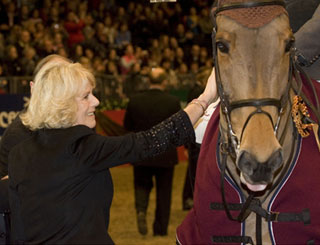 Camilla presents award at equestrian event