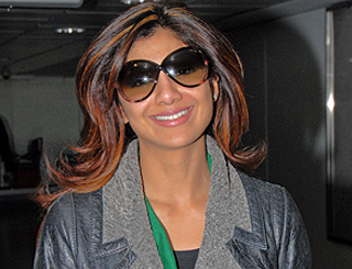 Shilpa Shetty confirms romance with Raj Kundra