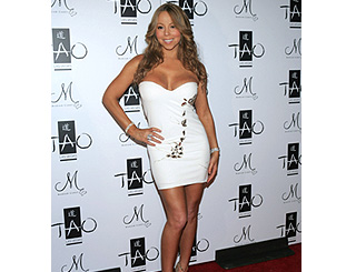 Mariah Carey greets New Year in winter white