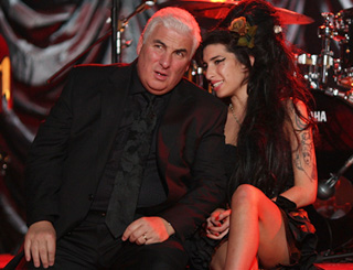 Amy Winehouse knew of dad's affair