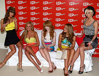 Girls Aloud take a snack break