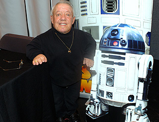 Star Wars actor Kenny Baker admitted to hospital