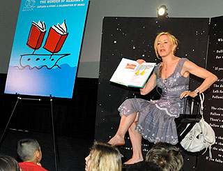 Felicity Huffman shares reading wonder