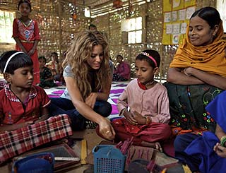 Shakira backs British PM's global education policy