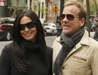 Kiefer Sutherland on a romantic NY walk