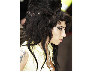 Jazz sensation Amy Winehouse released on bail