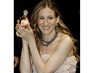 SJP seduces Paris with her new scent