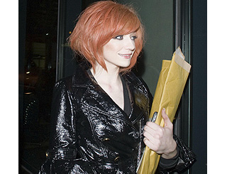 Newly-single Nicola Roberts tests out new 'do