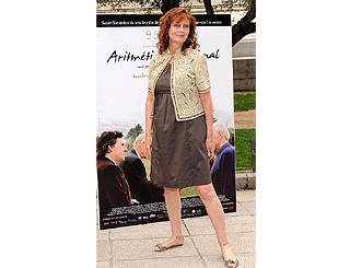 Everything adds up to a stylish Susan Sarandon