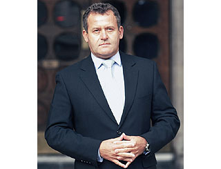 Paul Burrell to sell Diana-styled gems