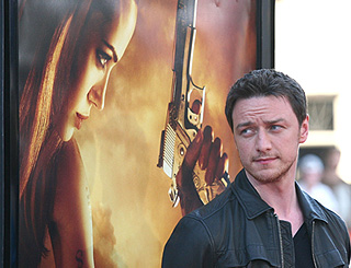 'Chilled-out' Angelina wins praise of James McAvoy