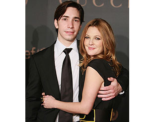 Drew Barrymore splits from Justin Long