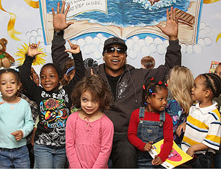 LL Cool J joins effort to break reading record