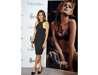 Eva Mendes promotes lingerie line in London