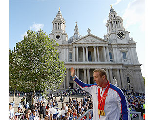 Chris Hoy among Beijing heroes at Olympic parade