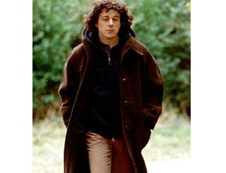 Alan Davies slims back into Jonathan Creek's duffle coat