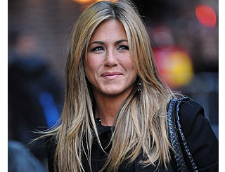"Jennifer Aniston sees herself as a ""good therapist"""
