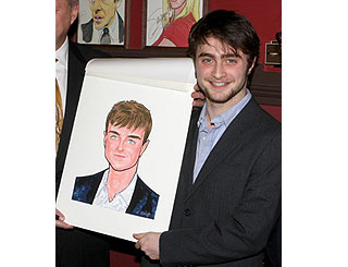 Daniel Radcliffe shows off portrait at Broadway eaterie