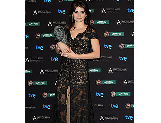 Penelope Cruz scoops Goya award in Madrid