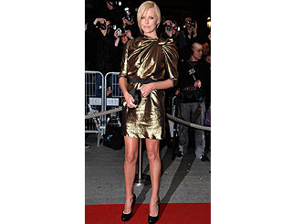Shimmering Charlize premieres new film in Paris