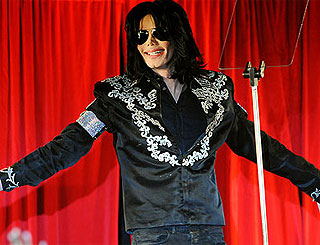 Michael Jackson thought to be planning more surgery