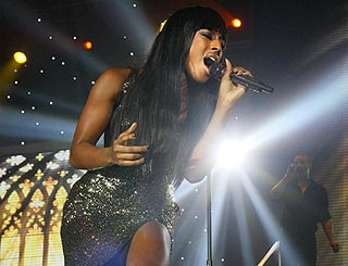 Alexandra Burke wows Glasgow on X Factor tour