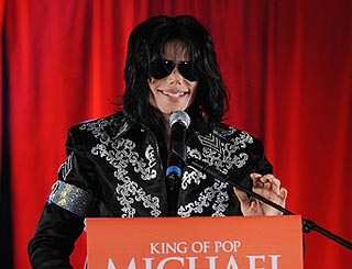 Michael Jackson to travel to upcoming concerts by boat
